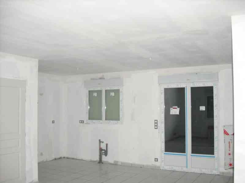 Porte rideau fenetre r sultats de recherche 4 murs et for Radiateur sous fenetre rideau